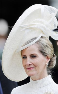 HRH The Countess of Wessex in her stunning hat from Jane Taylor at Royal Ascot Fascinator Hats, Fascinators, Headpieces, Lady Louise Windsor, Ascot Hats, Pamela, Kentucky Derby Hats, Fancy Hats, Royal Ascot