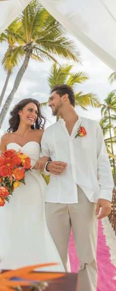 Destination Wedding Punta Cana - Beach ceremony at Arena Gorda Beach - Riu Palace Bavaro - All Inclusive hotel.