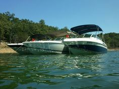 Top quality, custom bimini tops, boat tops and boat canopy tops for yachts. Located in Fort Lauderdale