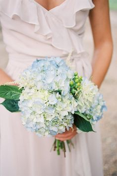 blue hydrangea bouquet | Ashley Seawell #wedding