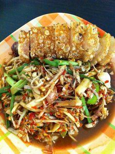 Lao (Banana Flower Spicy Salad) Tam hua plee