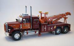 Peterbilt wrecker know that looks good Rc Cars And Trucks, Show Trucks, Dump Trucks, Custom Trucks, Big Trucks, Model Truck Kits, Model Kits, Truck Scales, Plastic Model Cars