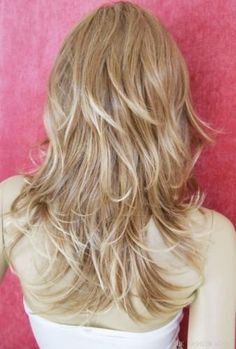 I like this ~ long-layered strawberry blonde hair.