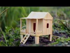 How to make a Popsicle stick house - HAMSTER - Fairy Lights Terrace Hamsters, Hamster Toys, Hamster Stuff, Popsicle Stick Crafts House, Popsicle Sticks, Craft Stick Crafts, Pet Craft, Diy Hamster House, Sticks Furniture