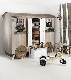 This wagon playhouse is perfect for storage & play~