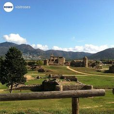 Citadel of Roses Culture Centre, #inCostaBrava An archaeological site of 12 hectares allows to discover the remains of the ancient Greek colony of Rhodes, Roman remains, medieval town and the impressive Renaissance fortification. +INFO www.visit.roses.cat. Picture by @visitroses (Instagram)
