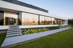 NEMO HOUSE by Mobius Architects