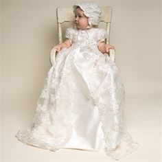 Extremely elegant,I would love a similar dress for my girls baptism