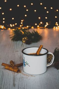 Forrócsoki, ahogy mi szeretjük – Advent a konyhában Moscow Mule Mugs, Food Photo, Drinks, Tableware, Christmas, Drinking, Xmas, Beverages, Dinnerware