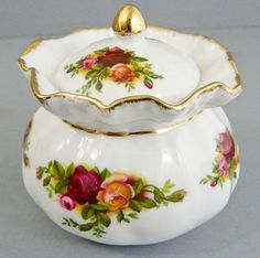 ROYAL ALBERT OLD COUNTRY ROSES LIDDED POT