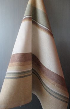 Items I Love by Efrat on Etsy Dish Towels, Hand Towels, Tea Towels, Weaving Patterns, Line Patterns, Cricket Loom, Weaving Projects, Kitchen Towels, Home Accessories