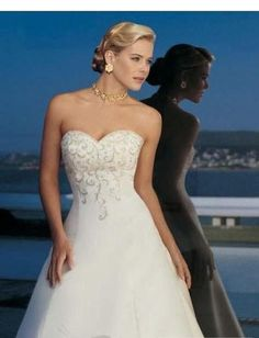A-Line/Princess Sweetheart Chapel Train  wedding dress for brides 2010 style(BST1805)