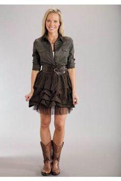 LOVE the skirt...very cute!