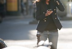 i LOVE a navy blazer!  so versatile and chic!
