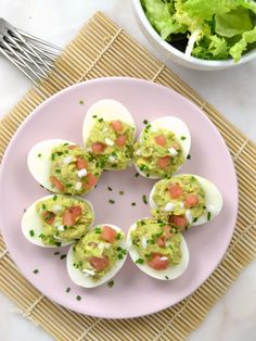 Eggs stuffed with avocado and tuna - Thermomix - Healthy Foods To Eat, Easy Healthy Recipes, Real Food Recipes, Healthy Snacks, Easy Meals, Cooking Recipes, Yummy Food, Tapas, Canapes