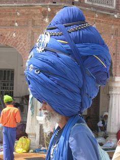 Grand Poobah sikh: this is something the Poobahs of Play can only aspire to--although we HAVE discussed the need for hats.