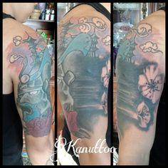 #kanuttoo #tatu #tatuaje #tattoo #ink #inked #rose #rosa #red #rojo #azul #blue #black #negro #zamurai #samurai #sakura #flor #flower #flowers #sky #cielo #domo #domus #face #cara #rostro #cover #mascara #mask #man #hombre #arm #brazo #shoulder #hombro #fullcolor #color
