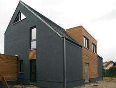 Einfamilienhaus modern Holzhaus Satteldach Flachdach mit Gaube Holzfassade