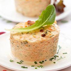 Découvrez la recette Terrine de saumon rapide sur cuisineactuelle.fr.