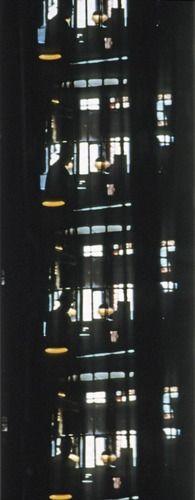 J. Cornell Gnir Rednow Film tourné et monté par Stan Brakhage au cours de l'été 1955 à partir d'images tournées sur la 5e Avenue avant sa destruction. Le film porte le titre de Wonder Ring. Cornell inversa le film de gauche à droite et le tira à l'envers. Le titre de Cornell est l'anagramme du titre d'origine.