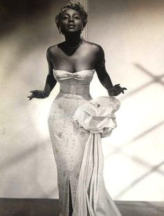 Famed nightclub entertainer Joyce Bryant - 'The Bronze Blonde Bombshell' - Vintage Glamour, Vintage Beauty, Vintage Hollywood, Old Hollywood Glamour Dresses, Beautiful Black Women, Beautiful People, Mode Disco, Vintage Mode, Vintage Fashion 1950s