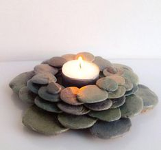 New Home Art Diy Candle Holders Ideas Stone Crafts, Rock Crafts, Diy And Crafts, Arts And Crafts, Crafts With Rocks, Diy Candle Holders, Diy Candles, Art Diy, Rock Decor