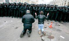 Inspiring touching photos from Ukrainian protest. Майдан онлайн: самые впечатляющие фото за три месяца революции в Киеве