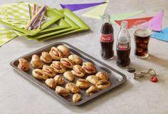Λουκανικοπιτάκια – Τυροπιτάκια – Σοκολατοπιτάκια-featured_image School Lunch Box, Food Categories, Almond, Bbq, Food And Drink, Appetizers, Cooking Recipes, Pudding, Cheese