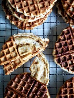 Kanelbollevafler Pancakes, Baking, Breakfast, Food, Scandinavian, Blogging, Morning Coffee, Bakken, Essen