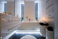 Bathroom Design – 35 Modern And Creative Bathroom Ideas Bathroom Inspo, Bathroom Inspiration, Bathroom Stuff, Bathroom Ideas, Home Staging, Bad Inspiration, Amazing Bathrooms, Corner Bathtub, Accent Decor