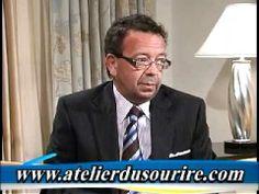 Le docteur Ménard discute des assurances dentaires et des coûts des soins dentaires. Docteur Ménard dicussses dental insurance and the cost of dentistry.