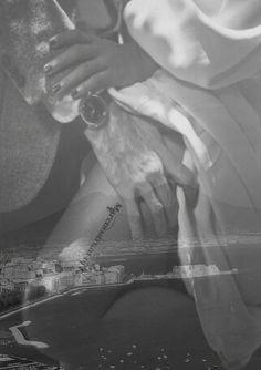 Abito nella tua mano, sulla tua pelle,  ti attraverso fino a colmare i vuoti, fino ad estasiare i sensi… ti seguo, ti aspetto, ti trovo, ti sento, ti vivo nei singoli battiti,  in tutti gli angoli del mondo, in ogni respiro dell'anima. Erika Mancini