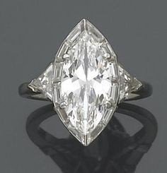 Best Diamond Engagement Rings : If I was a beautiful, evil princess, I would wear this. - Buy Me Diamond Engagement Ring Buying Guide, Best Engagement Rings, Solitaire Engagement, Diamond Solitaire Rings, Diamond Wedding Rings, Diamond Jewelry, Halo Rings, Marquis Diamond Ring, Best Diamond