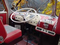 1000 images about mercedes benz bus on pinterest. Black Bedroom Furniture Sets. Home Design Ideas