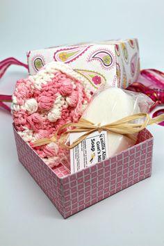 Women's Gift Set Spa Gift Basket Goats Milk Soap by GwensHomemadeGifts #etsyshop #handmade #giftbox