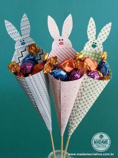 How to make cones to fill with chocolate or candies - Easter bunny cone - DIY tutorial Como fazer cones com bombons- Passo a passo com fotos - Madame Criativa - www.madame...