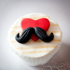 Moustache Cupcake    © 2013 Uncorked Studios, LLC - Destination & Philadelphia Pennsylvania Wedding Photographer    Cupcake by Cups 'n' Cakes