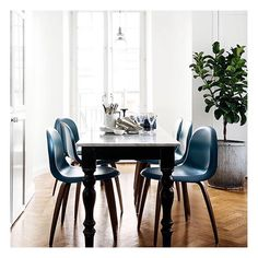 Inspiring dining spaces via @insideoutmag #interiordesign #design #decor #interior123 #interiör #interiør #styling #styleoftheday by inadesignerhome