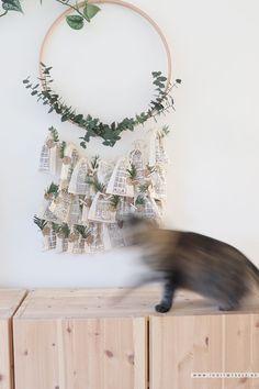 Feuille Eucalyptus, Diy Advent Calendar, Wreaths, Ornaments, Christmas, Grace, Decor, Brown Paper Packages, Primitive Decor