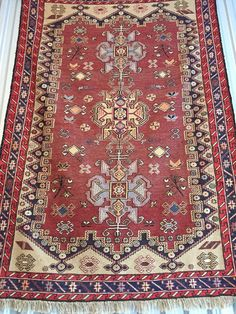 About Us: We have 4 Generations of Experience Importing and Collecting Authentic High Quality Handmade Persian Rugs. Description: Authentic Handmade Persian Wool Rug. Brand New. Made to last more than a life time, use it on the floor, wall or table !  Material: 100% Wool and silk touches with wool foundation Size: 3x5 ft Condition: New, Excellent (no tears, holes, odors) Made in Iran  FREE SHIPPING  www.rugs2c.com  Add style and warmth to your home by decorating your floor with this…