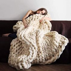 Sofa Cover Chunky Knitted Blankets Handmade Bedspreads Super Thick Yar – Knit And Crochet Gigantic Knit Blanket, Chunky Knit Throw Blanket, Hand Knit Blanket, Sofa Blanket, Sofa Throw, Fuzzy Blanket, Cosmopolitan, Crochet For Beginners Blanket, Thick Yarn