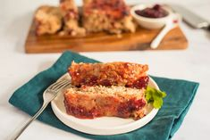 Your family will love this turkey meatloaf! The tangy cranberry-chili sauce topping is the perfect finishing touch for this moist, delicious meatloaf. Heinz 57 Steak Sauce Recipe, Steak Sauce Recipes, Cube Steak Recipes, Meat Recipes, Yummy Recipes, Chicken Recipes, Dinner Recipes, Turkey Meatloaf, Leftover Meatloaf