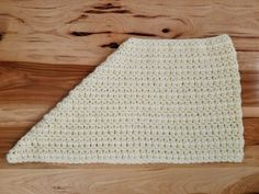 Crochet the beautiful Jasmine Scarf with this free pattern! Using only easy stitches. Is a cross between an infinity scarf and a triangle scarf. Crochet Scarves, Crochet Shawl, Crochet Clothes, Crochet Stitches, Free Crochet, Crochet Patterns, Crocheted Scarf, Crochet Ideas, Crochet Scarf For Beginners