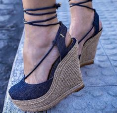 Pretty Shoes, Beautiful Shoes, Cute Shoes, Me Too Shoes, Cute Sandals, Shoes Sandals, Wedge Heels, High Heels, New Shoes