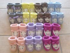 """Instructions for pretty baby booties """"handmade"""" 1 2 3 4 girls in the kitchen Knit Mittens, Knitting Socks, Baby Knitting, Crochet Baby, Tricot Baby, Sewing Online, Cute Baby Shoes, Knit Boots, Baby Slippers"""
