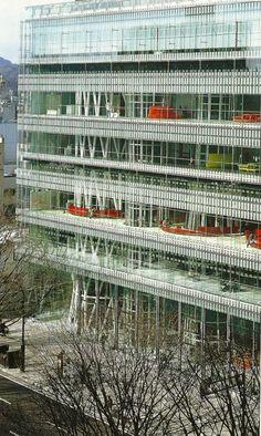 Toyo Ito, Sendai Mediatheque, Sendai, Japan, 2002 (a saber cómo estará ahora...)