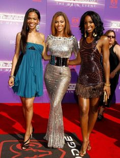 I absolutely love beyonce's gown...and destinys child