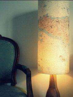 CARTE MARINE ANCIENNE ORIGINALE RECYCLÉE EN LAMPE ou COLONNE LUMINEUSE  .J'ai un choix de carte de divers endroits. Crée une très belle ambiance et...