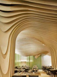 massiv helles naturholz formen deckenverkleidung idee schichte