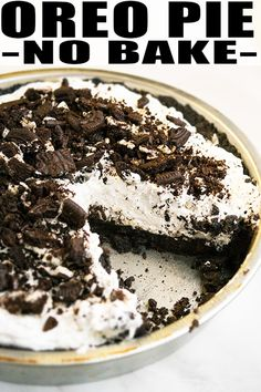 Quick and easy no bake Oreo pie recipe, homemade with simple ingredients. A crunchy oreo pie crust is filled with a decadent, rich, smooth, creamy filling. No Bake Oreo Cake, No Bake Oreo Dessert, Cheese Dessert, Oreo Pie Recipes, Best Easy Dessert Recipes, Oreo Dessert Recipes, Oreo Cookie Desserts, Oreo Pops, Cheesecake Oreo Sin Horno